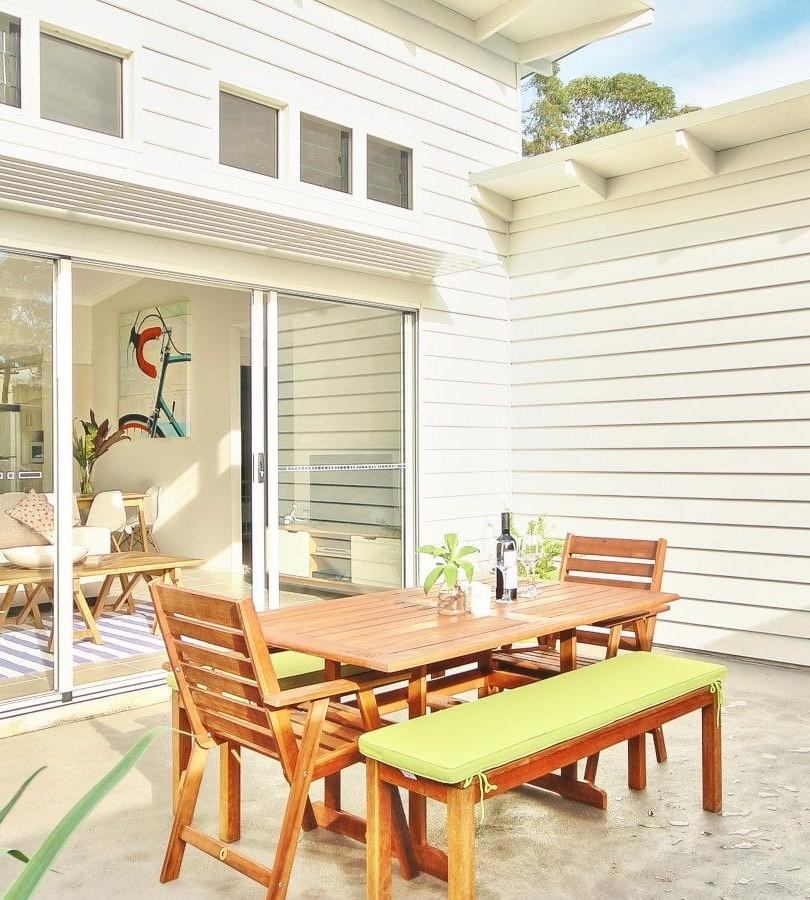 V3-Courtyard-2000x900.jpg