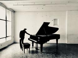 pianoblack  photo L. Storcks