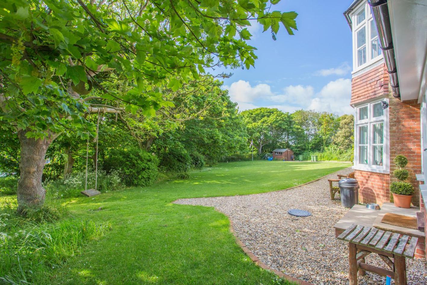 Meadow House gardens