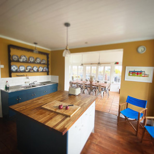 meadow-house-mundesley-kitchen-2.jpg