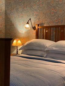 william-morris-bedroom.jpg