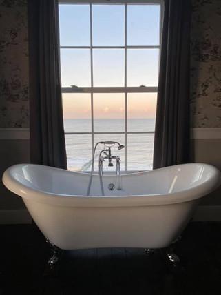admiral-house-bath2.jpg