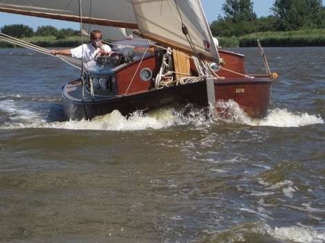 Sail with Hunters Yard