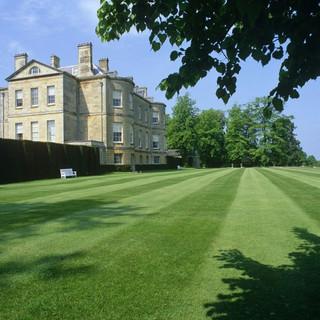 Buscot Manor gardens
