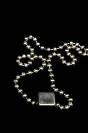 TigerBite FW 18-19 ball chain necklace metal detail square slider charm