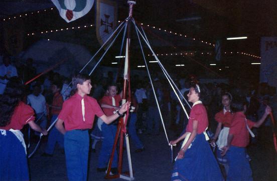 Dança do Pau de Fita (1996)