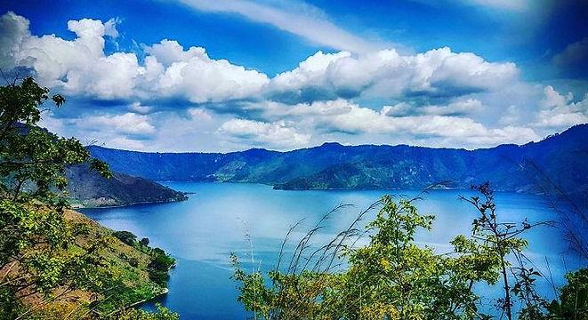 LagunaAyarza.jpg
