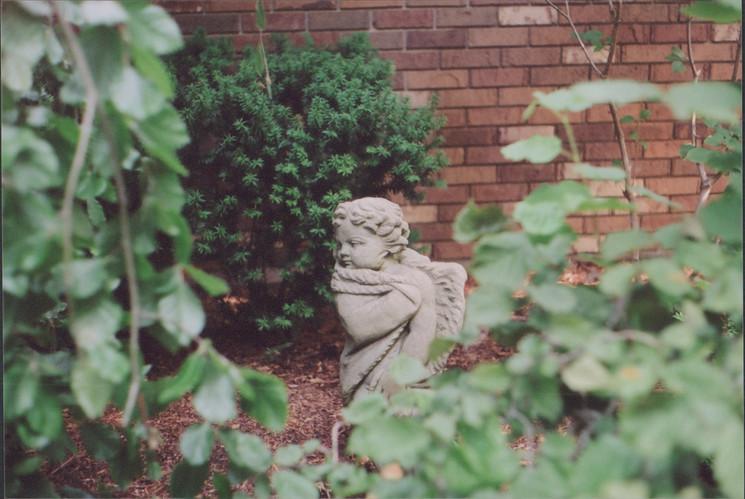 Kate Edmonson Sarnia Lawn Statue 2.jpg