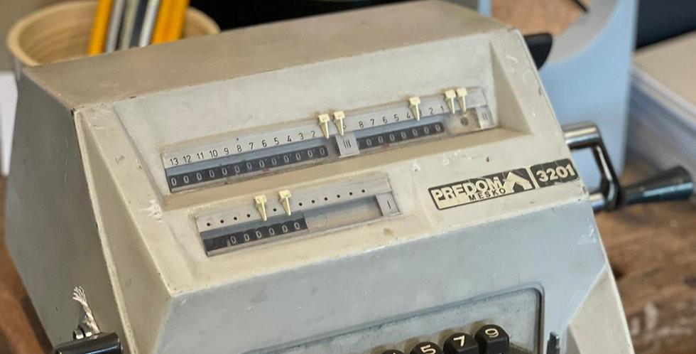 מכונת חישוב וינטג׳ית
