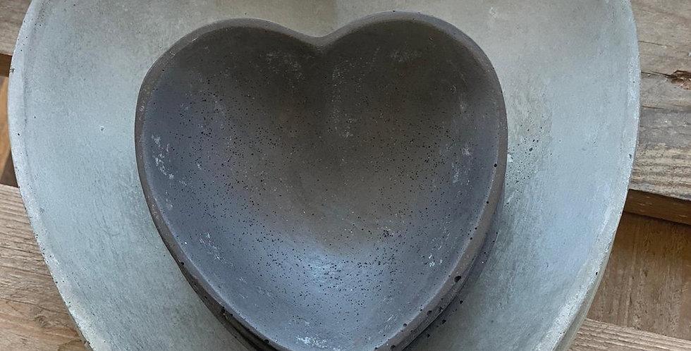 לב בטון גדול