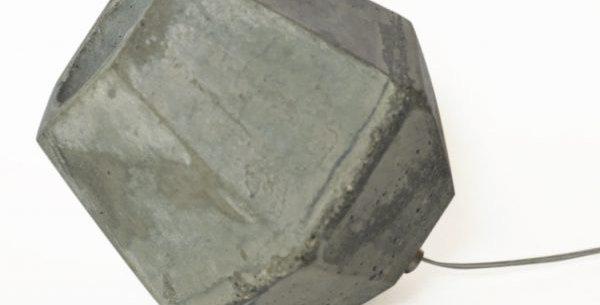 זרקור גביש מבטון למדף ולרצפה