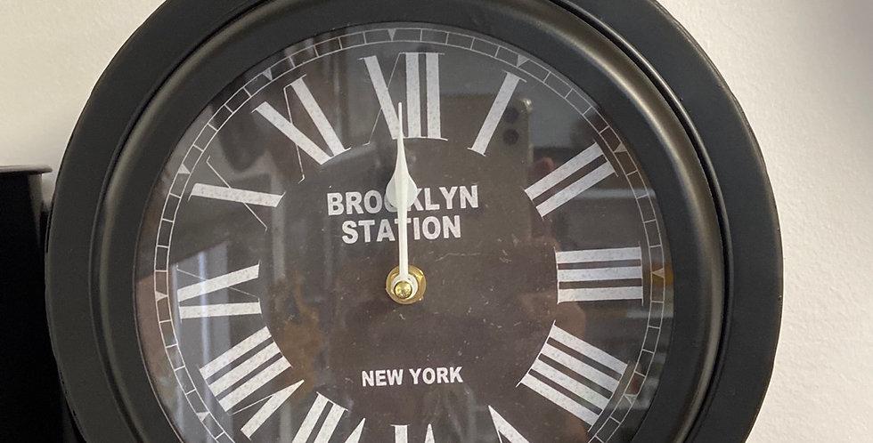 שעון מתכת גותי