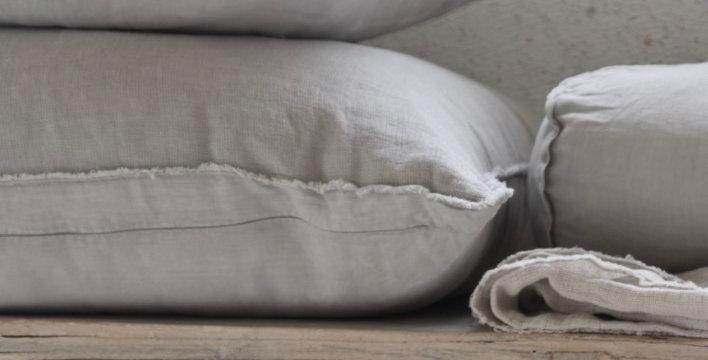 כרית פשתן סטונווש עם קצוות פרומים