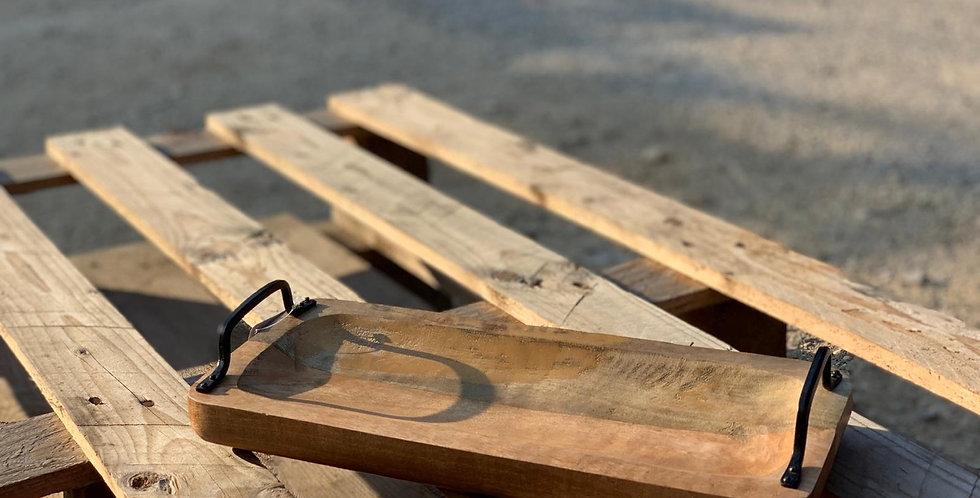 מגש עץ עם ידיות ברזל