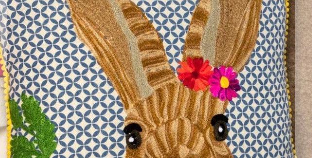 כרית ארנב שובב
