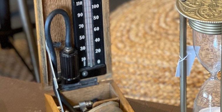 מד לחץ דם וינטג׳