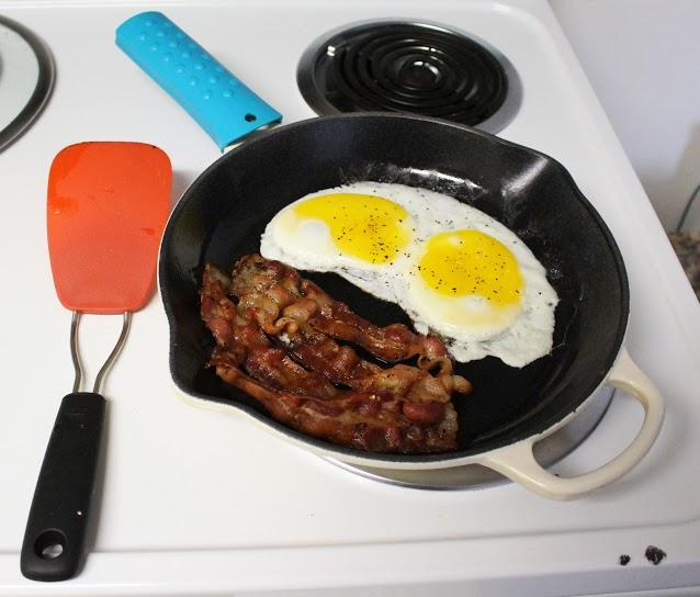 photo-dslr-eggs-bacon-color