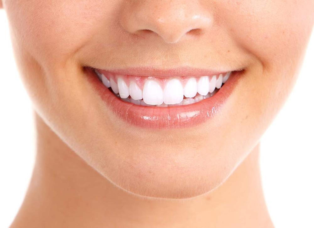 Dr David ATTIA chirurgien dentiste chirurgiens-dentistes Marseille 13 13013 implants implant implantologie esthétique prothèse douceur