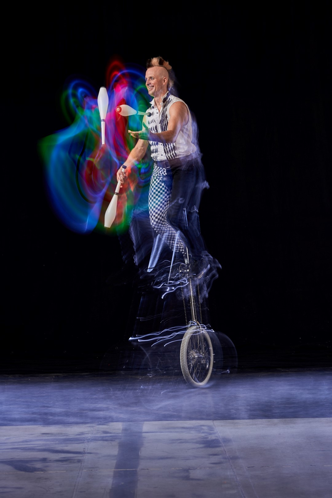 Rob Unicycling and Juggling