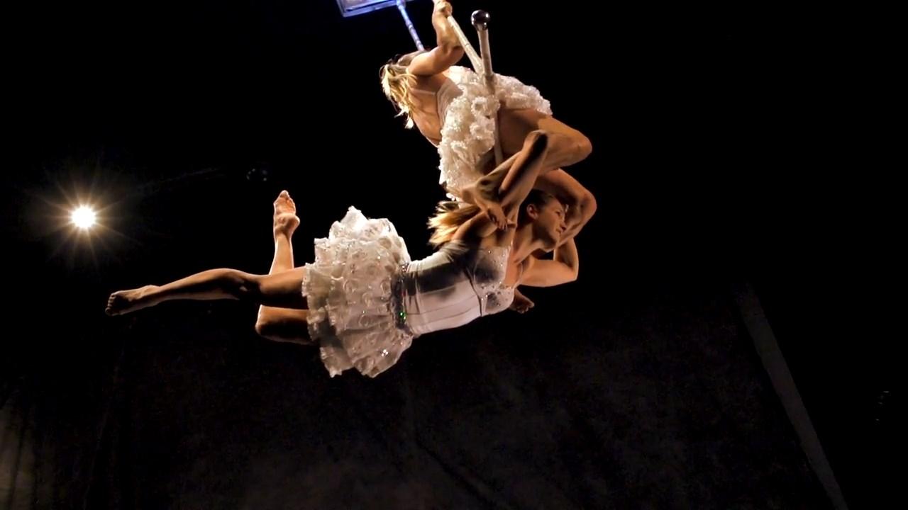 Twins Trapeze (6)