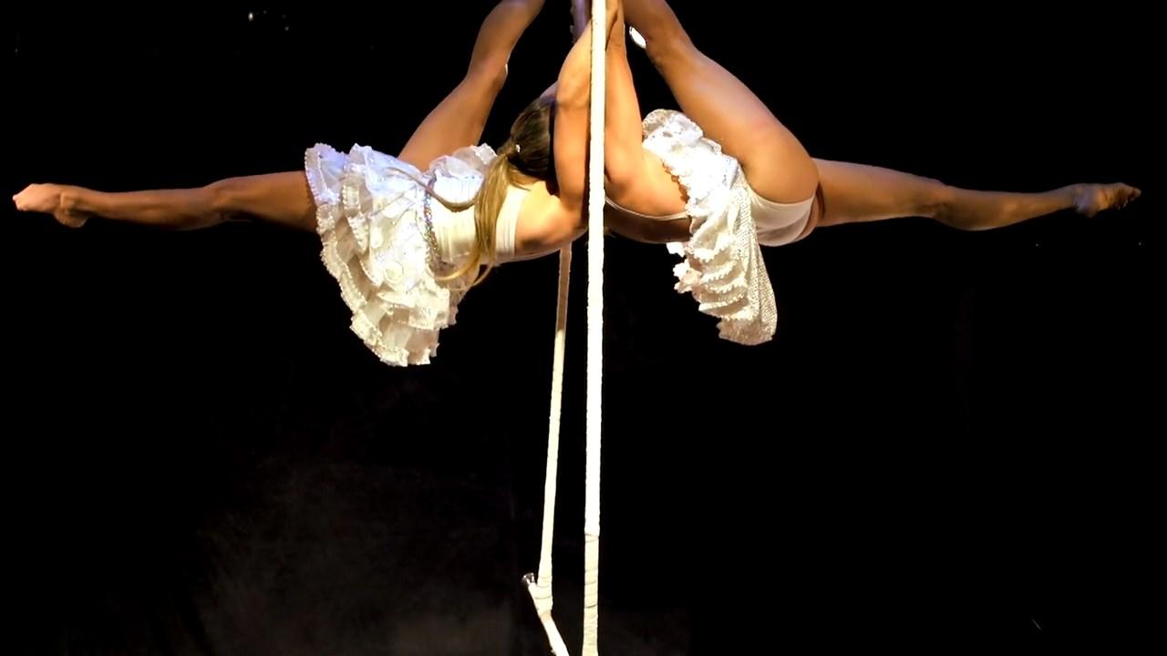 Twins Trapeze (3)