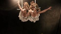 Twins Trapeze (2)