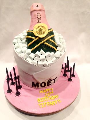 Moet Cake.jpg