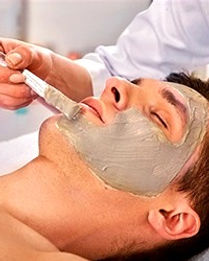 Men's%20relaxing%20facial%20at%20Strengt