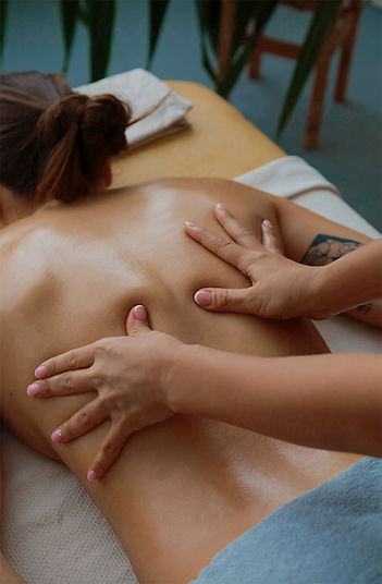 Massage-relaxant-dos-Geneve.jpg