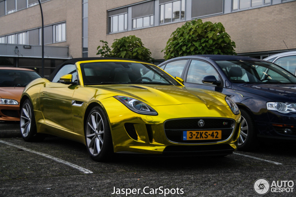 jaguar-f-type-s-convertible-c822116012016184408_2