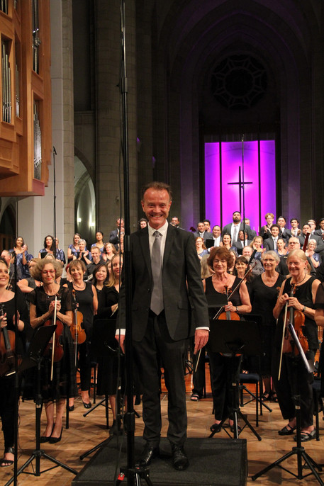 Chris Artley's 'Missa Brevis' for Choir, Orchestra and Organ received a standing ovation