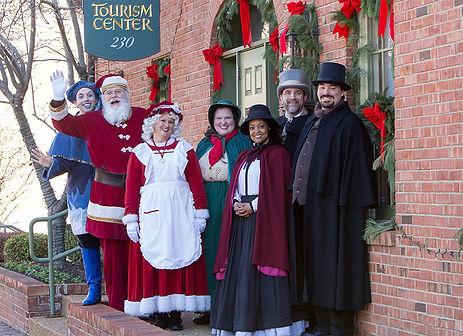 Christmas-Traditions_42e27a79-5056-a36a-