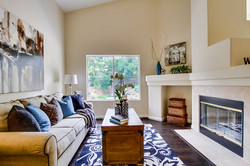 Living room 601