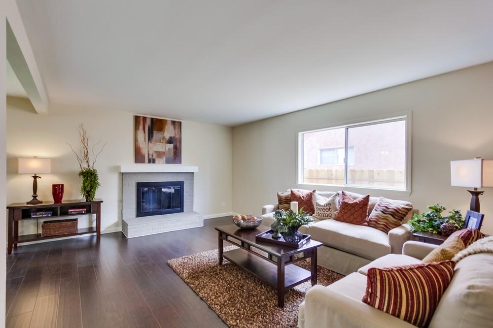 Living room 801