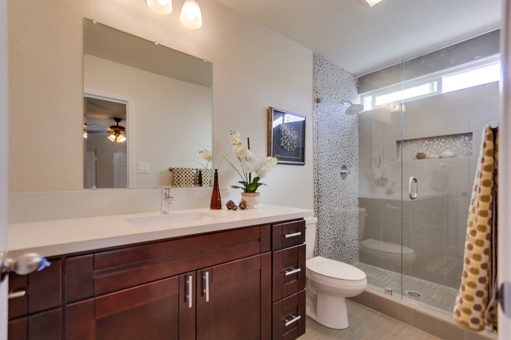 Master Bathroom 401