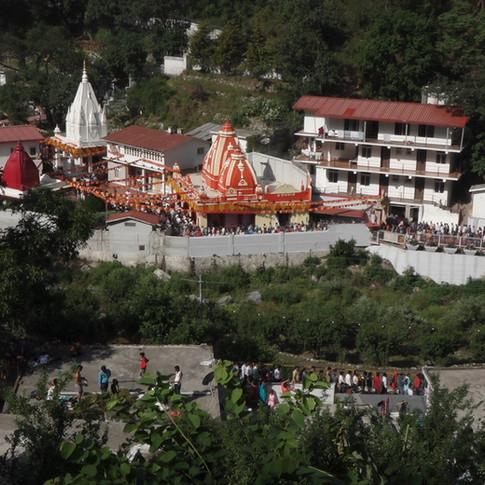 Around Kainchidhaam (2).JPG