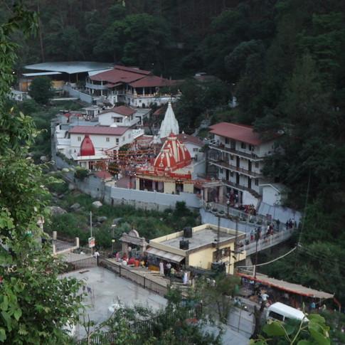 Around Kainchidhaam (4).JPG