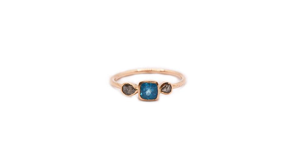 Bague mer - Apatite et 2 diamants taille rose