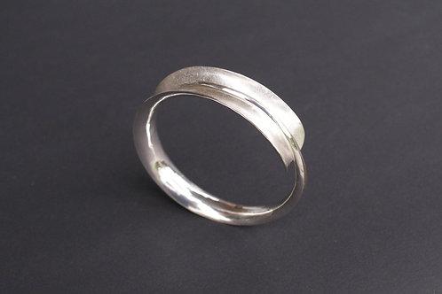 Bracelet hammered in silver