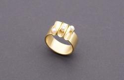 ring goud 18K met parels : 900 €