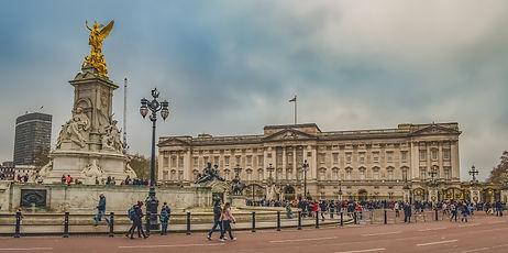 buckingham-palace-3932671_1920.jpg