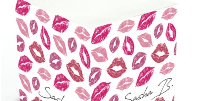 Kisses Sticky Memo Cube