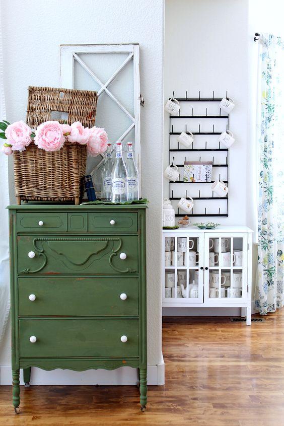Mueble verde decoración