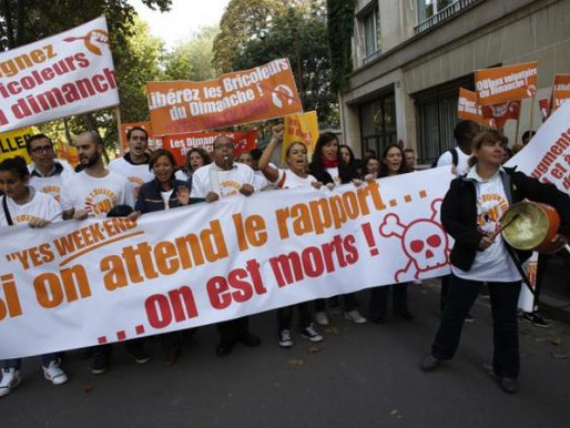 Depuis que la justice a interdit au magasin Sephora des Champs-Elysées d'ouvrir au-delà de 21 heures
