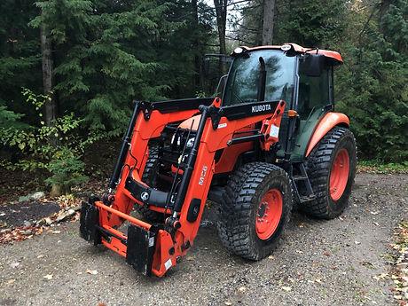Kubota M7060 Loader Tractor