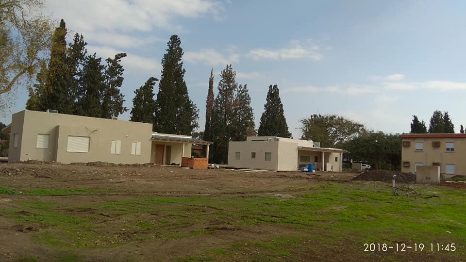 בתים ברצועה