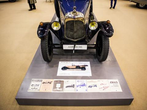 10HP Typ A 1921 - am Podest!