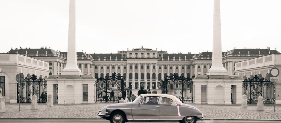 Felix Austria | 25 Chapron Cabriolets in Wien