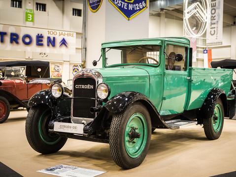 1930   AC4 FI  - Camionette bâchée 1000kg