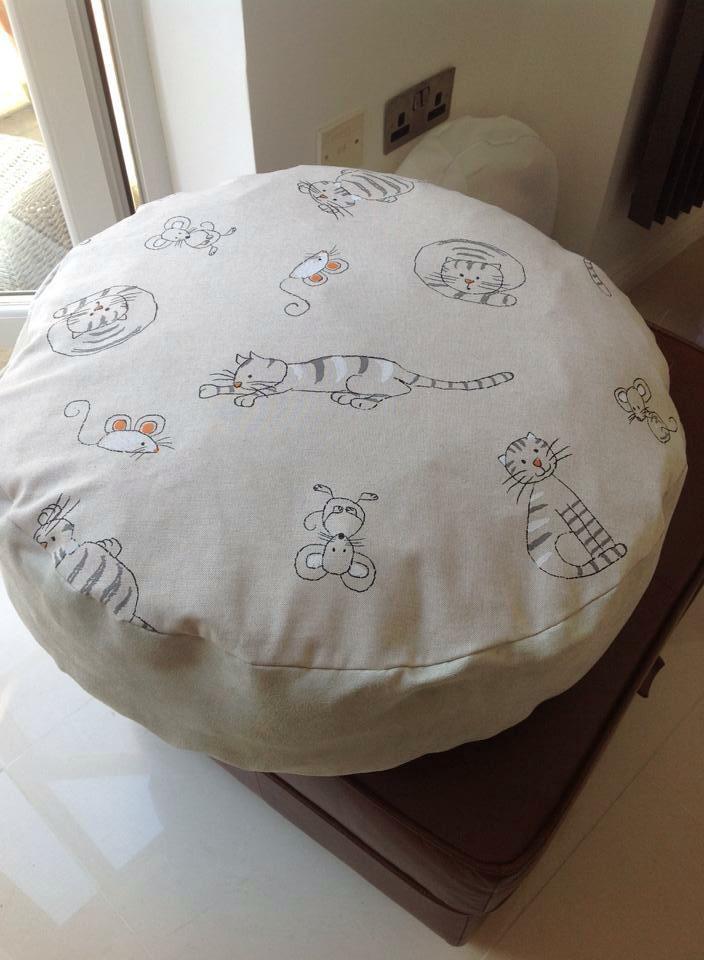 Linen Look Cats £30